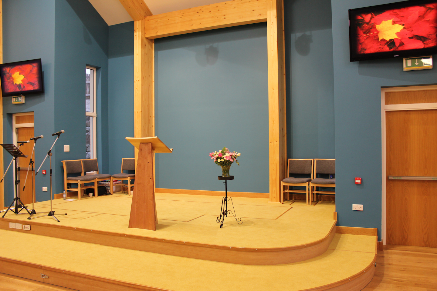 lerwick-baptist-church-stage